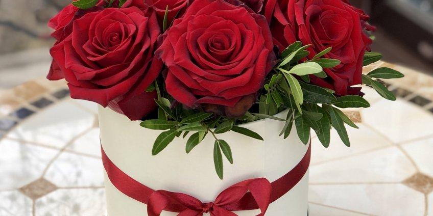 Какие цветы дарить девушке на 14 февраля