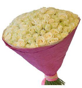 """101 белая роза, 70 см в крафт бумаге """"Роскошный подарок"""""""
