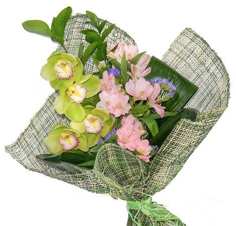 """Букет квітів """"Незвичайний"""". Superflowers.com.ua. Купити незвичайний букет квітів в Києві"""