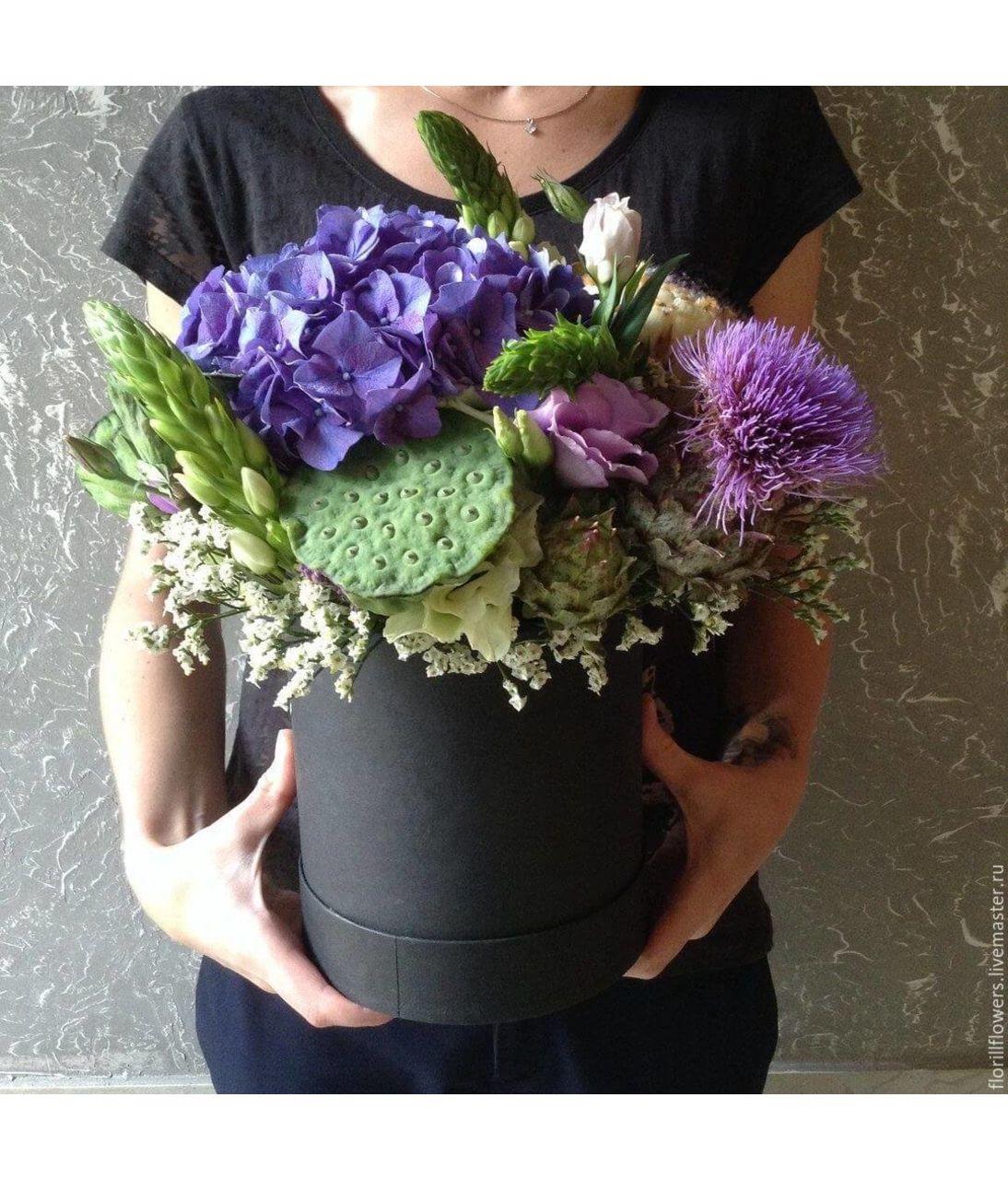 Букет в коробке для мужчины. Superflowers.com.ua. Купить цветы для мужчины в шляпной коробке