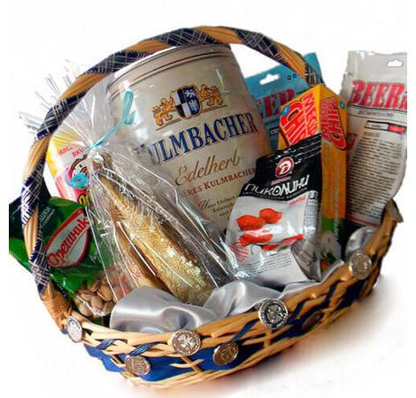 Подарункова корзина для чоловіка. Superflowers.com.ua