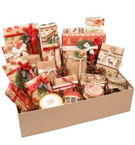 Большая подарочная коробка со сладостями на Новый Год