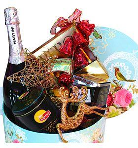 Новогодняя коробка с шампанским