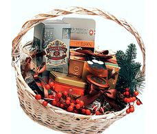 Подарочная корзина с виски и шоколадом