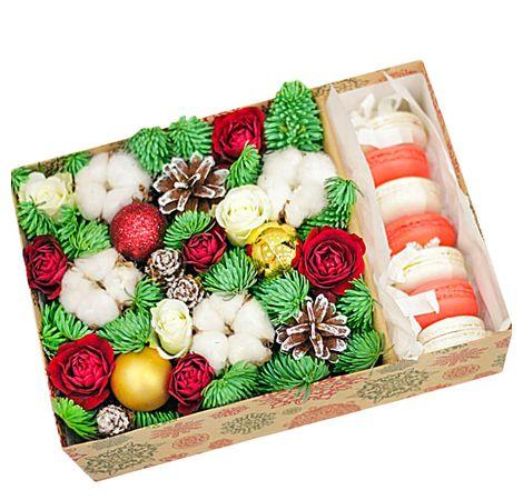 Новогодняя подарочная коробка с Макарунами. superflowers.com.ua. Заказать новогоднюю коробочку с макарунами