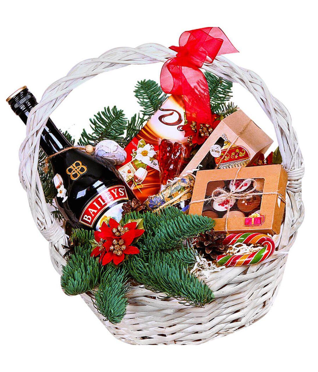 Подарочная новогодняя корзина. superflowers.com.ua. Купить корзину с доставкой по Киеву и Украине