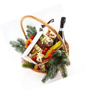 Подарочная новогодняя корзина и 15 Макаронс
