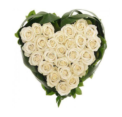 Сердце из роз Белоснежная тайна. Superflowers.com.ua