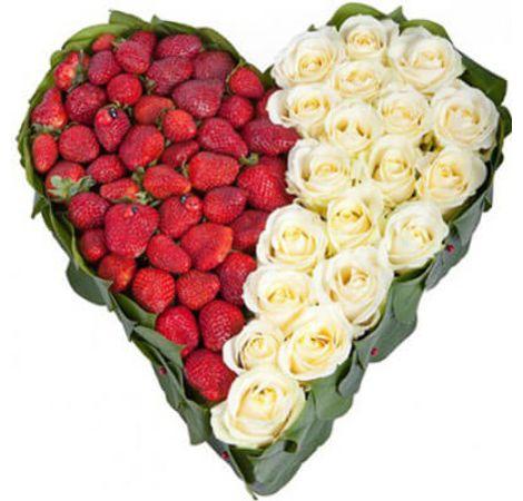 """Сердце из роз """"Для любимой"""". Superflowers.com.ua"""