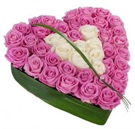 Сердце из розовых роз. Superflowers.com.ua