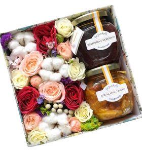 """Подарочная коробка с цветами и джемом """"Теплая Осень"""""""