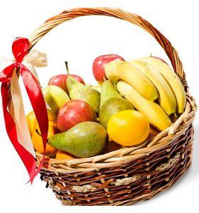 """Подарочная корзина с фруктами """"Ярмарка вкуса"""""""