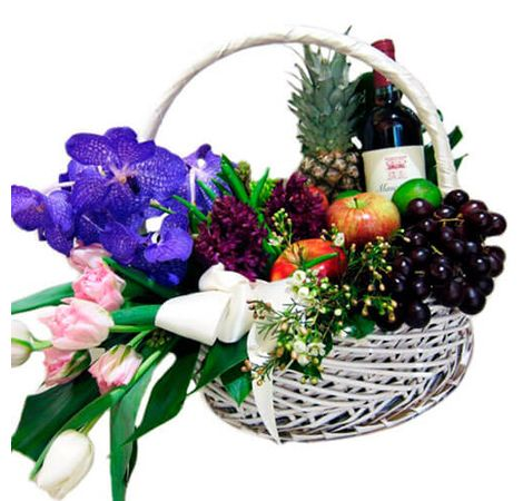 Подарункова корзина Вечір в Парижі. Superflowers.com.ua