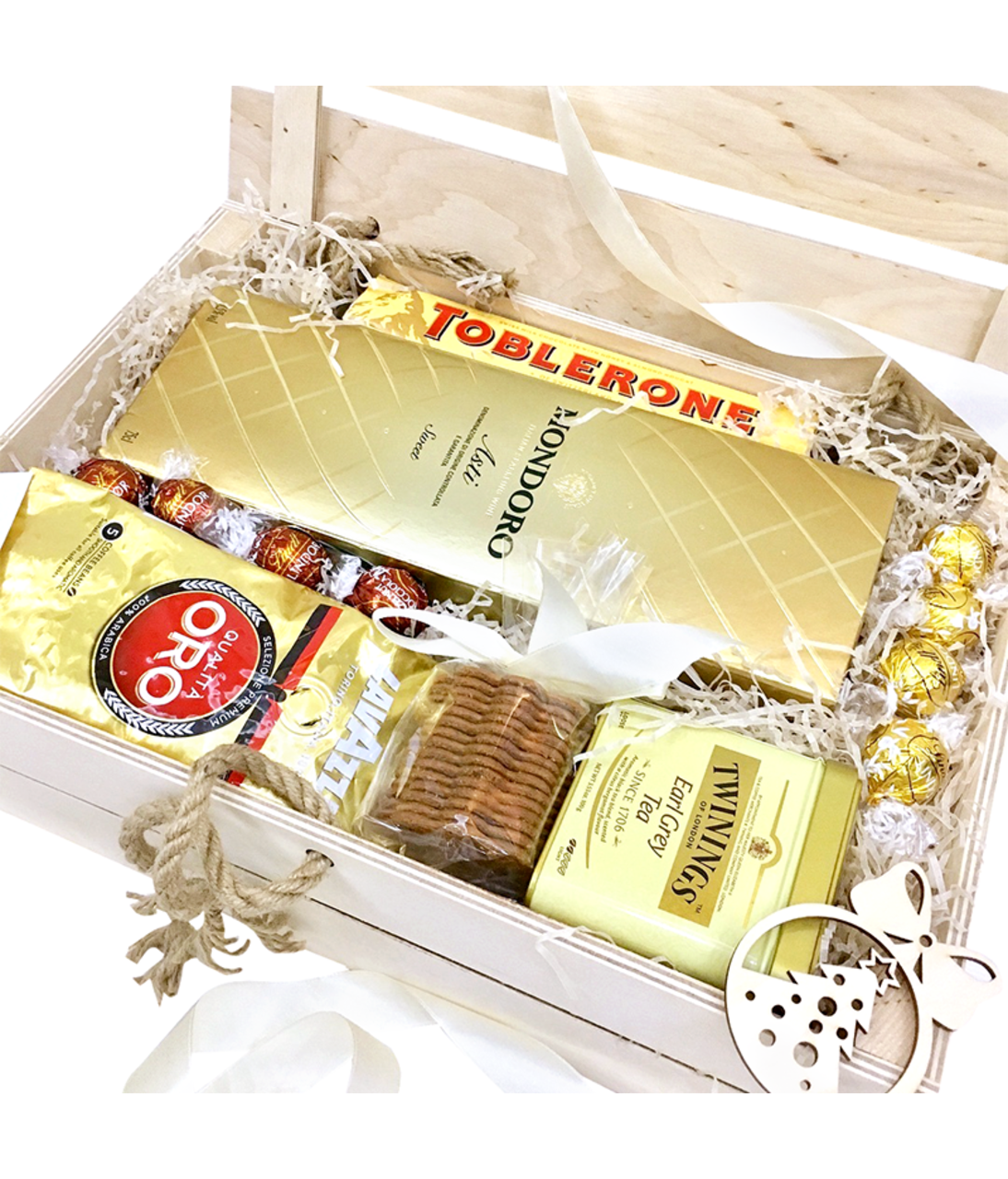 """Подарочная коробка """"Белое золото"""". superflowers.com.ua. Купить подарочную коробку в Киеве"""