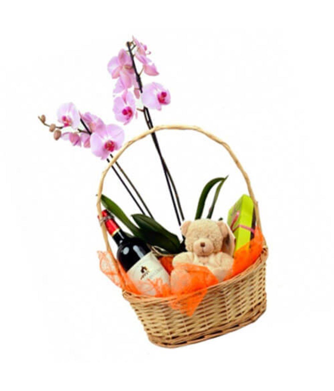 Орхідея в кошику з сюрпризом. Superflowers.com.ua.