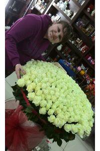 101 роза с доставкой в Киеве
