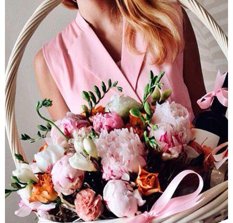 """Подарочная корзина """"Поцелуй весны"""". Superflowers.com.ua"""