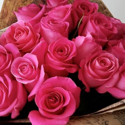 Букет из 11 розовых роз (Эквадор)