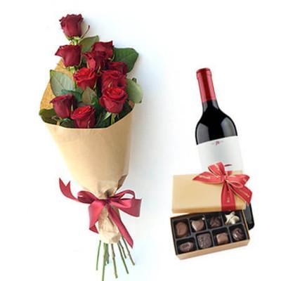 """9 красных роз 60см с вином """"День Влюбленных"""""""