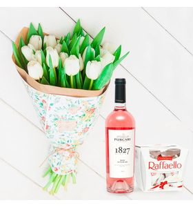 """Букет из 15 белых тюльпанов с вином """"Женский день"""""""