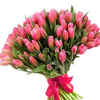 Букеты к 8 марта – какими цветами поздравить