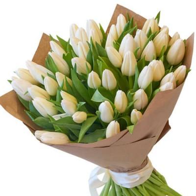 """51 белый тюльпан в крафт бумаге """"Любовь в каждом бутоне"""""""