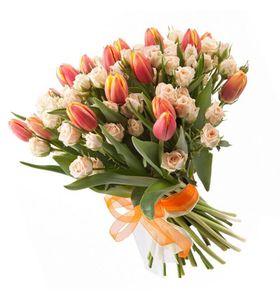 """Букет из 19 тюльпанов """"Ветерок"""""""