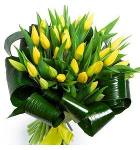 """Букет из 35 желтых тюльпанов """"Солнечный день"""""""