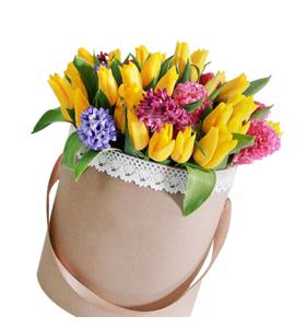 35 желтых тюльпанов и гиацинты в шляпной коробке