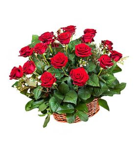 Букет из 17 роз в корзине