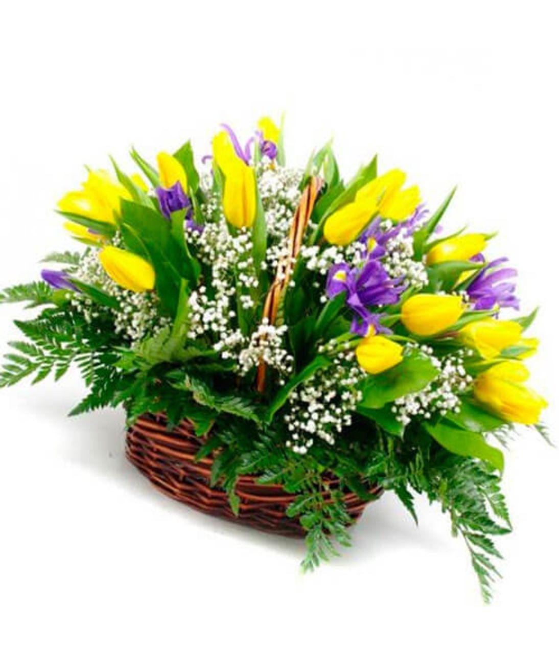 """Ирисы и тюльпаны в корзине """"Яркий вечер"""". Superflowers.com.ua"""