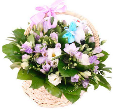 Корзина из фрезий. Superflowers.com.ua