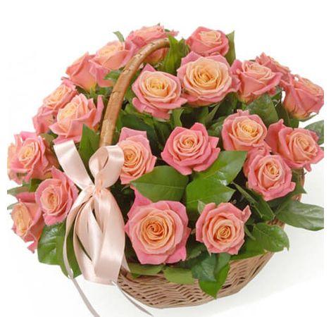 Корзина роз Мисс Пигги. Superflowers.com.ua