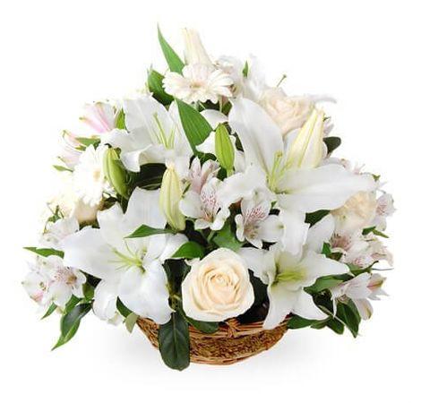 Корзина с лилиями. Superflowers.com.ua