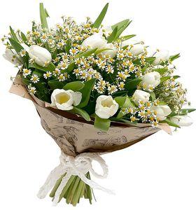 """Букет белых тюльпанов с ромашками """"Привет Весна"""""""