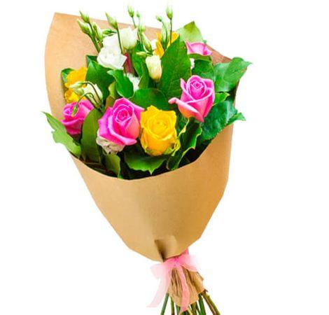 Букет цветов из роз и эустом. Superflowers.com.ua