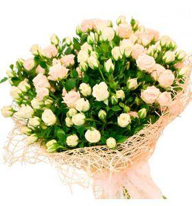 """Букет з 11 кущових троянд """"Білосніжка"""""""